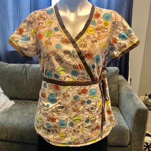 Koi scrubs by Kathy Peterson  med tan with tweets